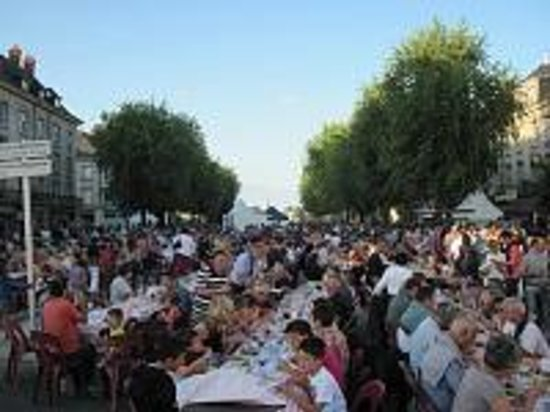 Saint-Macaire-du-Bois, Francia: The Saumur Champigny wine fair in Saumur, France