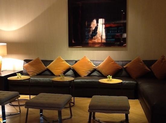 Starhotels Michelangelo: particolare del salone