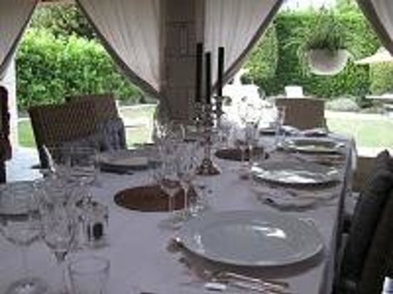 Loire Wine Tours - Day Tours : The table set for dinner on the terrace at Manoir de Gourin