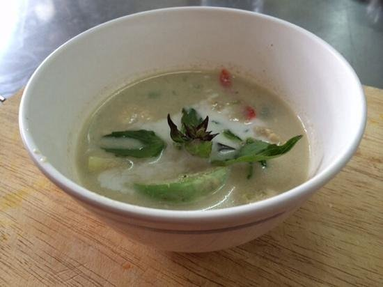 Chef LeeZ Thai Cooking Class : tom yum gung soup