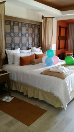 Now Amber Puerto Vallarta: Birthday decorations waiting for us in our room