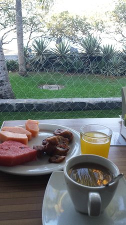 Flamingo Beach Resort And Spa: desayuno