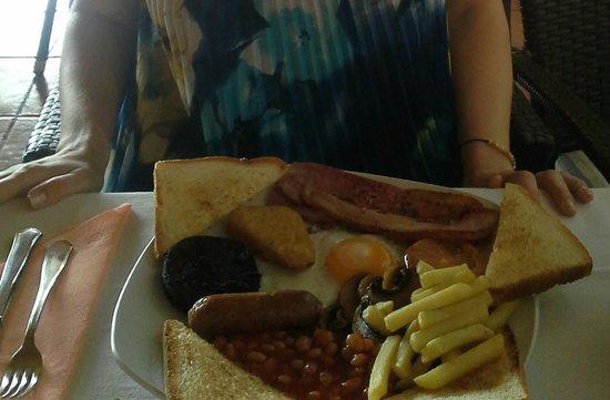 Hotel Floresta: Huge Irish breakfast at El Molino.