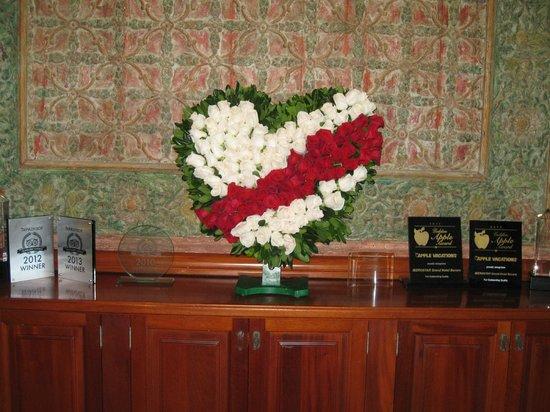 Iberostar Grand Hotel Bavaro : Valentine Decoration Front Desk
