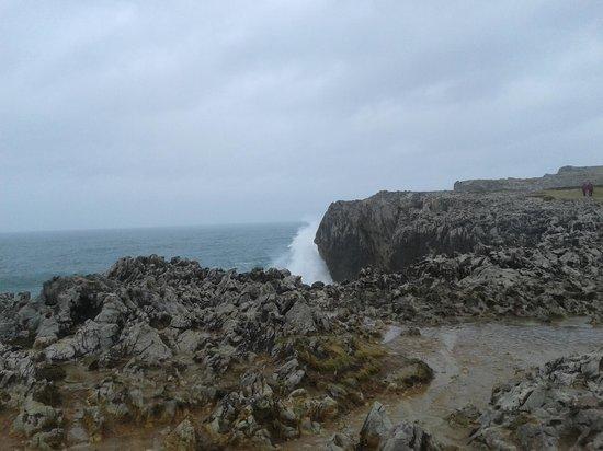 Bufones de Pria: La fuerza de las olas