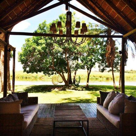 Shakawe River Lodge : Lodge Lobby
