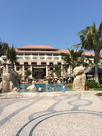 Sofitel Dubai The Palm Resort & Spa : sofitel the palm smimming pool