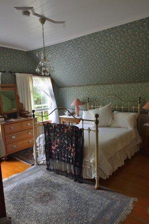 The Drury Homestead: Room