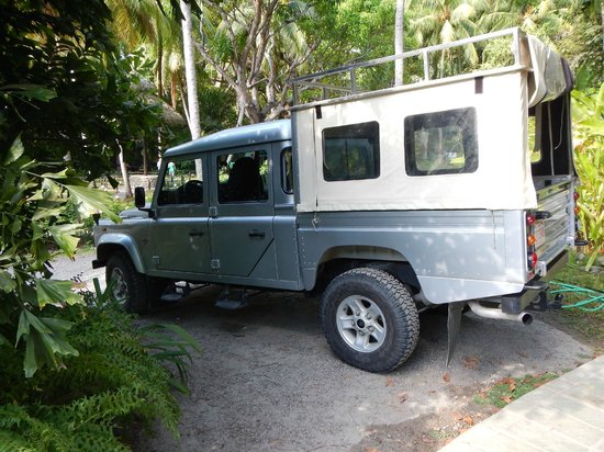 Ylang Ylang Beach Resort: Luxury SUV transport from El Sano Bano to Ylang Ylang