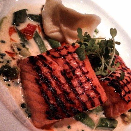 Araxi Restaurant + Oyster Bar: BC Wild Salmon... yummy