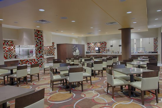 Embassy Suites by Hilton Newark Airport: Breakfast Area