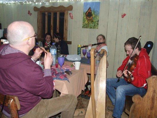 Ireland Glamping - Pink Apple Orchard: Traditonal Irish Session Evenings in The Communal Cider House Kitchen.
