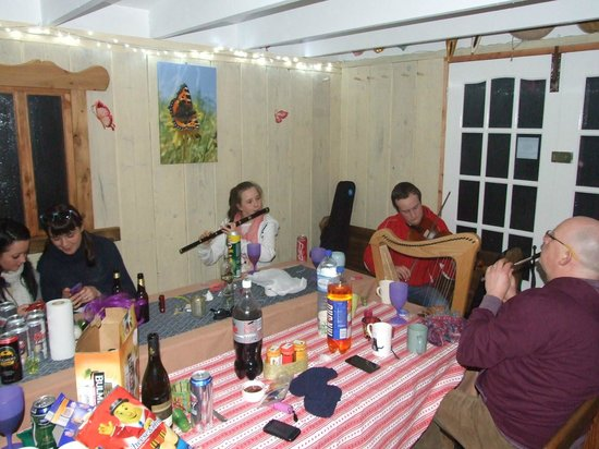 Ireland Glamping - Pink Apple Orchard: Traditional Irish Sessions in Communal Cider House Kitchen.