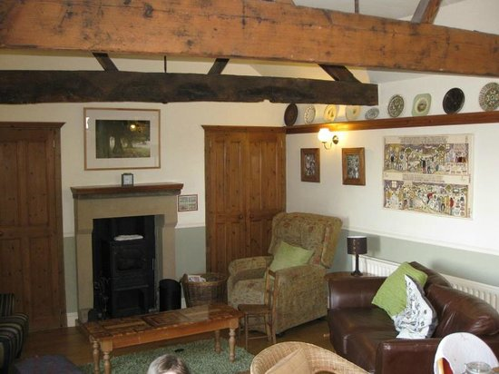 Beechenhill Farm : Comfortable sitting room with log burner