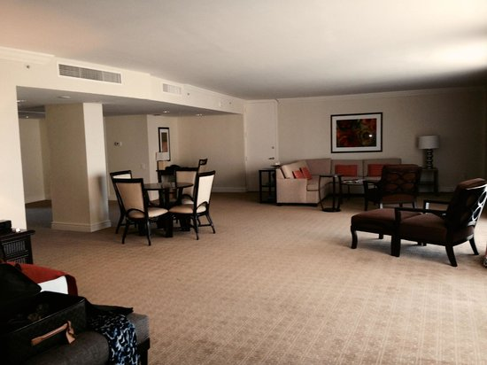 Turnberry Isle Miami, Autograph Collection: Very large but sparse room-suite