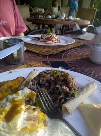 Ylang Ylang Restaurant: Artistically presented scrumptious meals