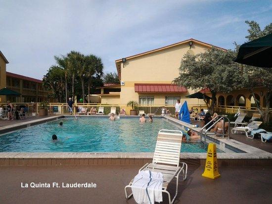 La Quinta Inn Ft. Lauderdale Northeast: Een mooi zwembad om het zeezout kwijt te raken.