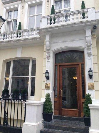 Chrysos Hotel: Very close to Paddington Station