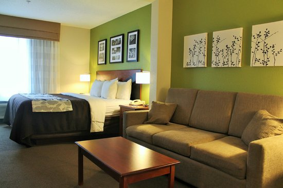 Sleep Inn & Suites : King Room Suite with sofa/sitting area