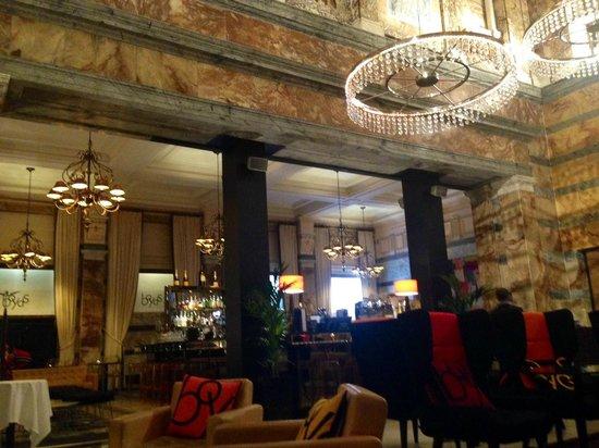 Club Quarters Hotel, Trafalgar Square : Beautiful Dining/Bar Area