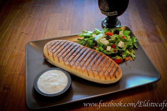 Eldsto Art Cafe and Bistro : Panini and salad