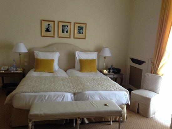 La Réserve de Beaulieu Hôtel & Spa : Chambre vue port avec balcon