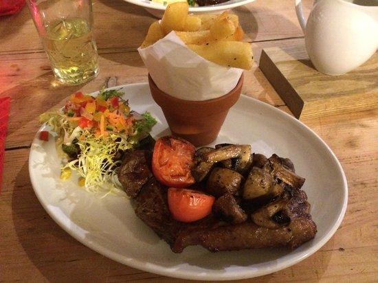 The Castle Inn: Superb Steak