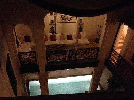 Hotel & Spa Riad Dar Sara: zwembad patio van boven