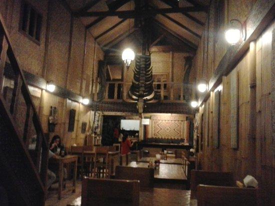 Cafe Aras: Innen untere Etagge