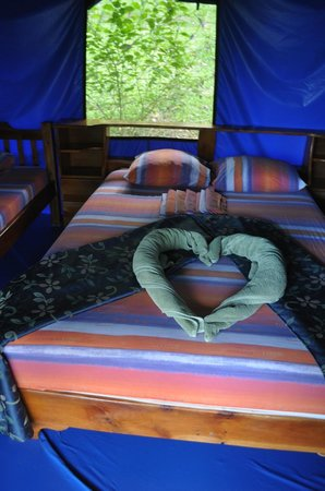 Hotel Las Caletas Lodge: Our tent - quite comfortable