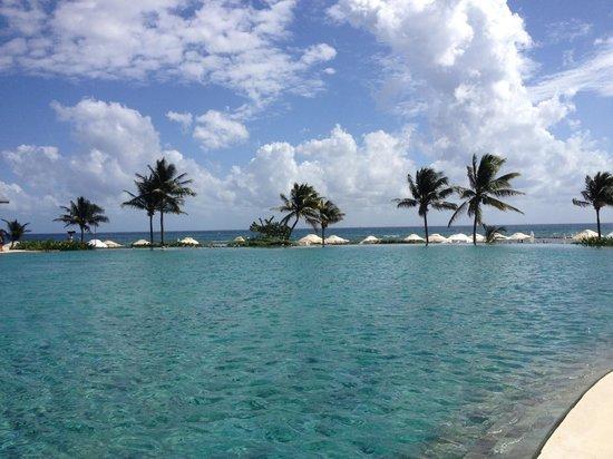 Grand Velas Riviera Maya: The main pool