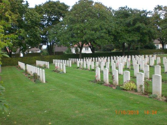 La Delivrande War Cemetery 1
