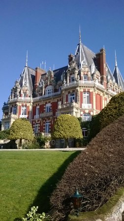 Chateau Impney Hotel & Exhibition Centre: A nice sunny morning