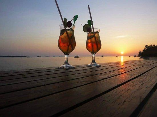 Vilamendhoo Island Resort & Spa : Drinks at Asian Wok