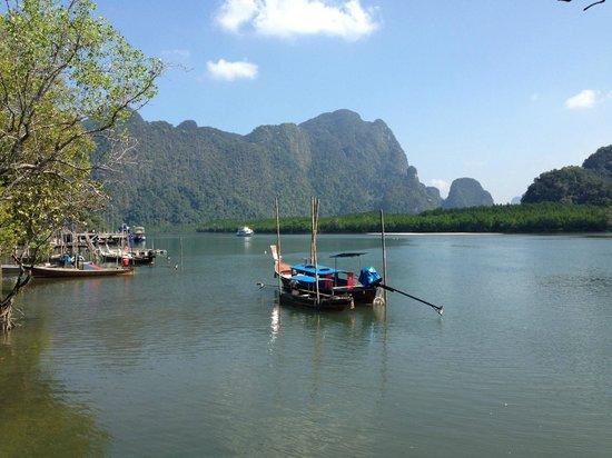Aka-Nak Resort : View from the jetty