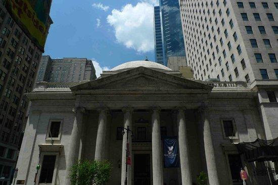The Ritz-Carlton, Philadelphia : The exterior