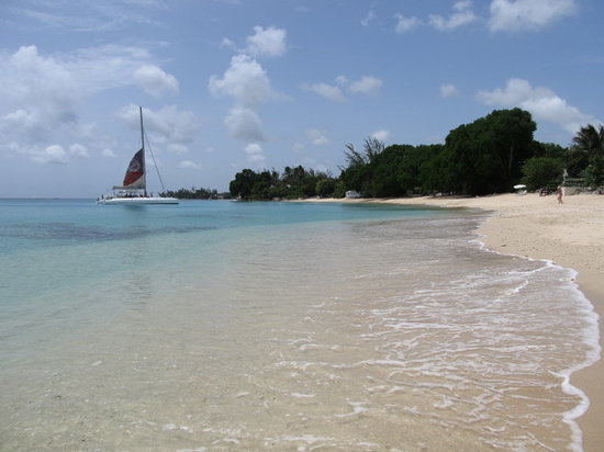 Emerald Beach: gibbes bay right at your door