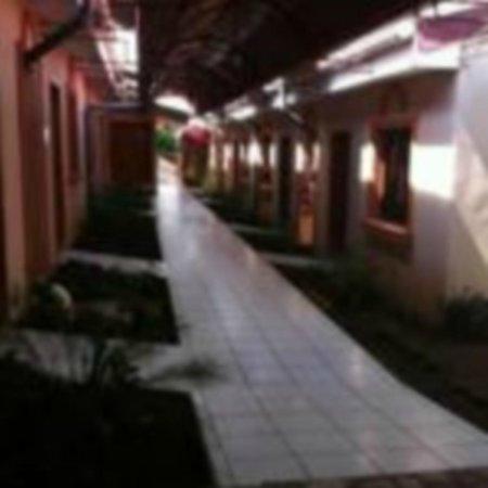 Hotel Brial Plaza: Pasillo Izquierdo