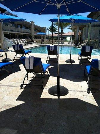 Clarion Inn : Pool Area