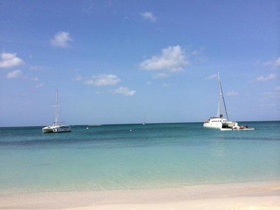 Talk of the Town Hotel & Beach Club : Otra Vista desde la silla de extensión