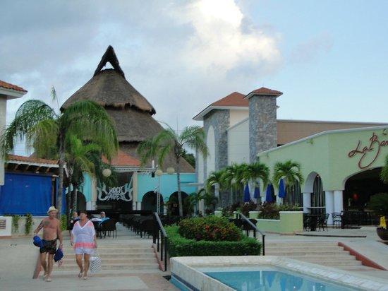 Sandos Playacar Beach Resort: alrededores