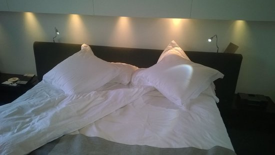 Sixtytwo Hotel: Bed