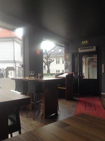 Red Sun restarant & bar
