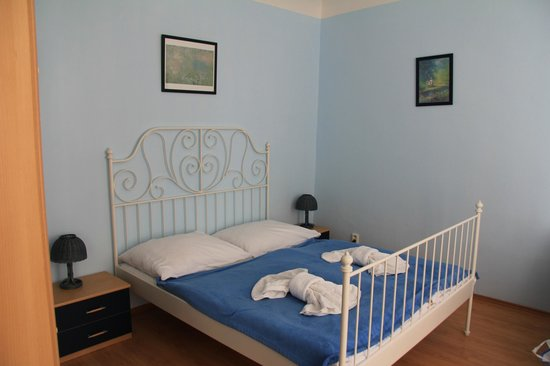 Pushkin Apartments: Bedroom