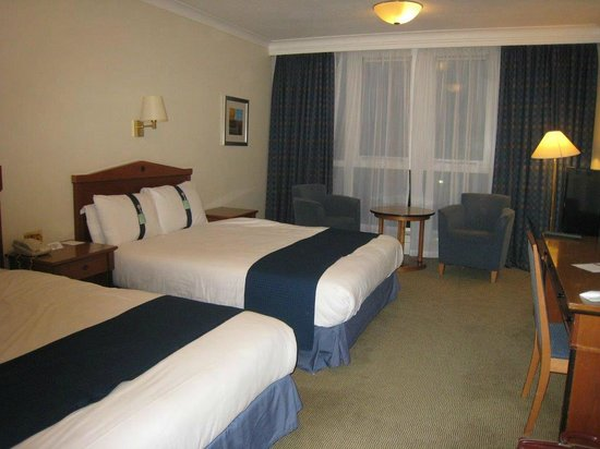 Holiday Inn Leeds Brighouse: Twin Bedded Room