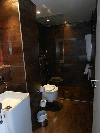 Hotel le Chat Noir: doccia