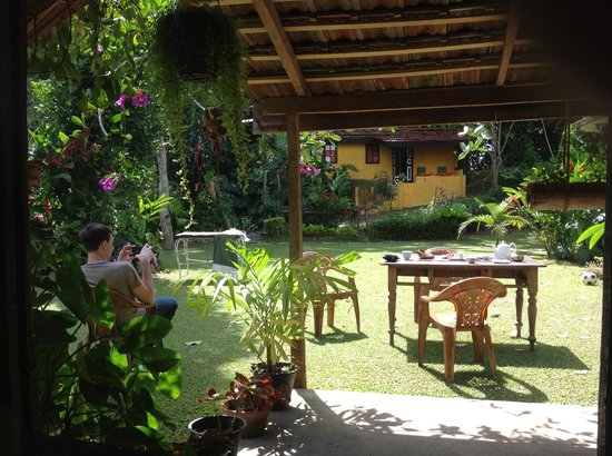The Kandyan Manor : Завтрак на свежем воздухе