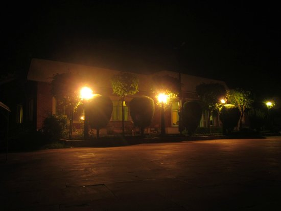 The Sirmour Retreat: restaurant