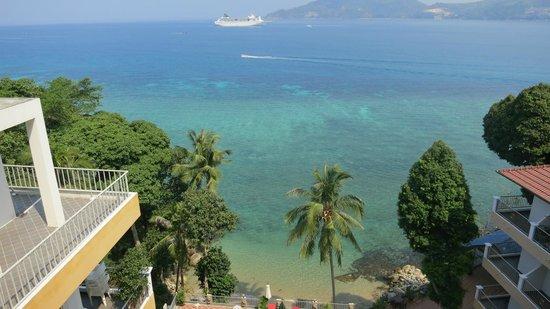 Blue Ocean Beach Resort: Жили на самом верхнем этаже (четвертый этаж верхней части корпуса). от вида сразу дух захватило