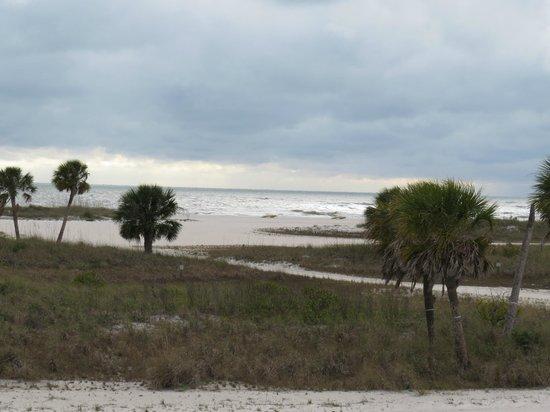 Treasure Island Ocean Club : Gulf view from the motel